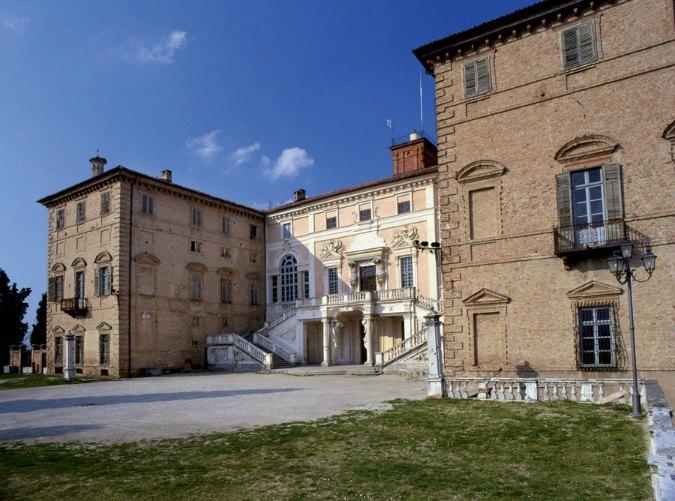 Castello Govone - Langhe (foto ente turismo)