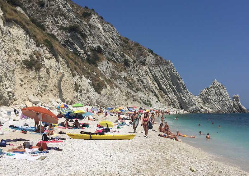 Ecco la spiaggia delle 2 Sorelle