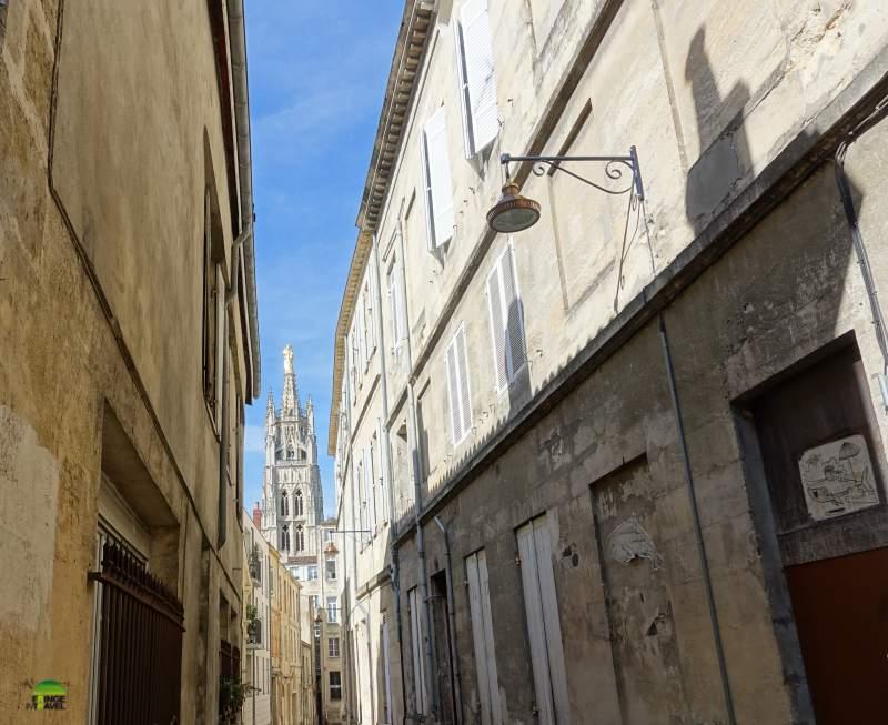 bordeaux cattedrale da lontano