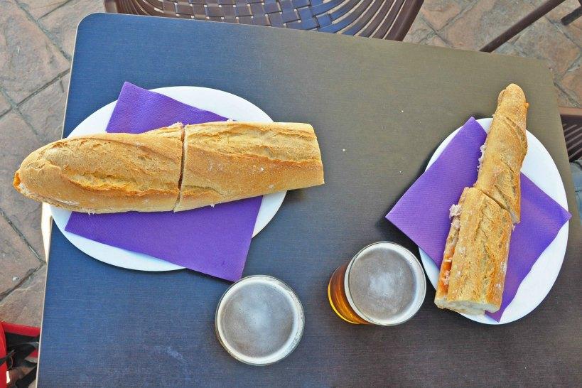 camino de santiago_lunch