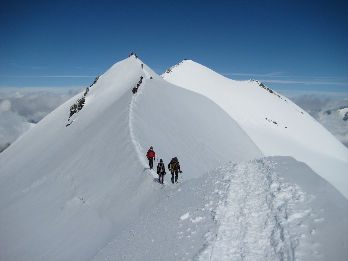 Cresta aerea Punta Castore (foto CAI SONDRIO)