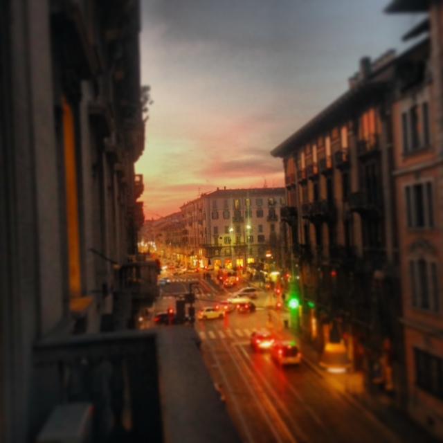 tramonto milano corso magenta