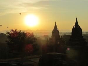 Una delle meraviglie del mondo? I templi di Bagan (#Traveland)