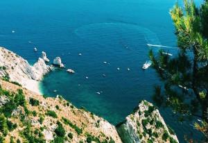 Trekking vista mare: la spiaggia delle 2 Sorelle al Parco del Conero