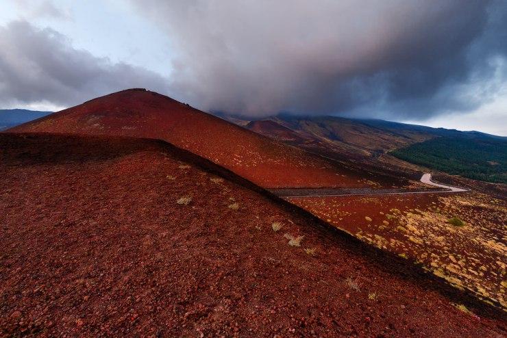 Trekking Etna, paesaggio sul vulcano
