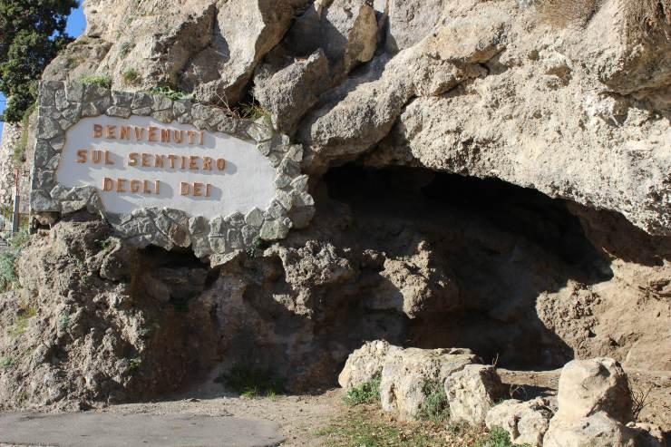 sentiero degli dei panorama mozzafiato trekking inizio cartello