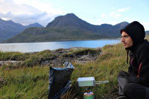 Cosa portare in campeggio libero: equipaggiamento e attrezzatura base