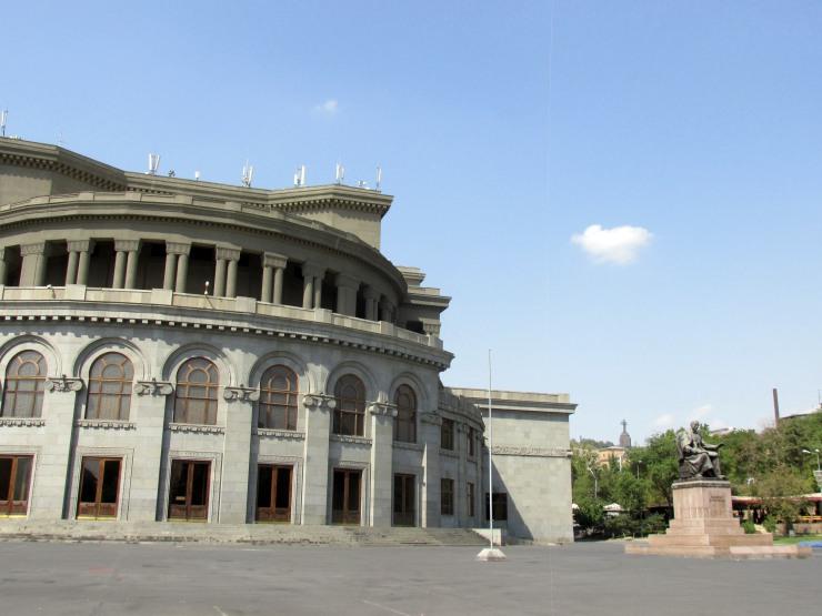 yerevan teatro opera
