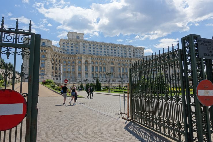 palazzo parlamento bucarest ex casa popolo esterno