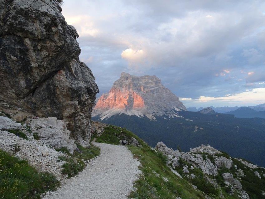 Alta via delle Dolomiti 25 tramonto sul Pelmo