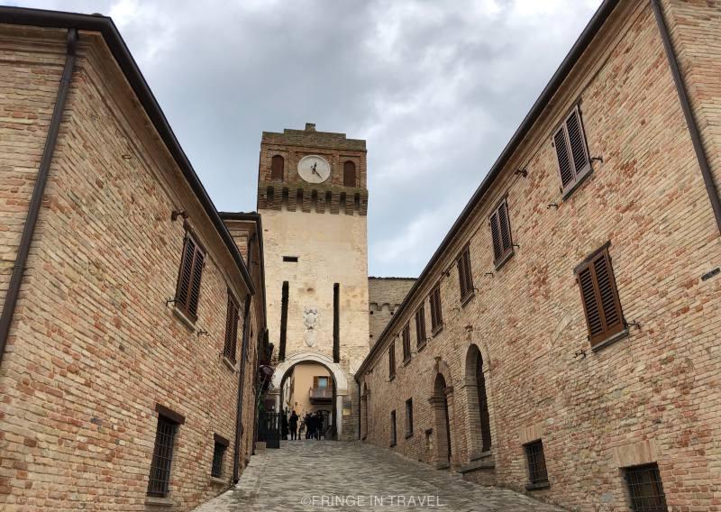 Sentiero di Paolo e Francesca degli innamorati Gradara1
