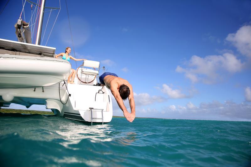 viaggi in barca tuffo