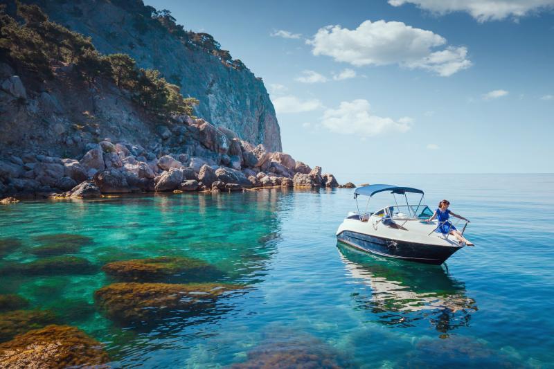 viaggi in barca ferma e mare