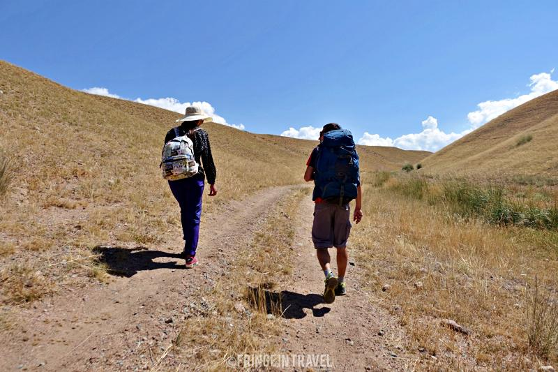 Trekking Lago Song Kol a piedi