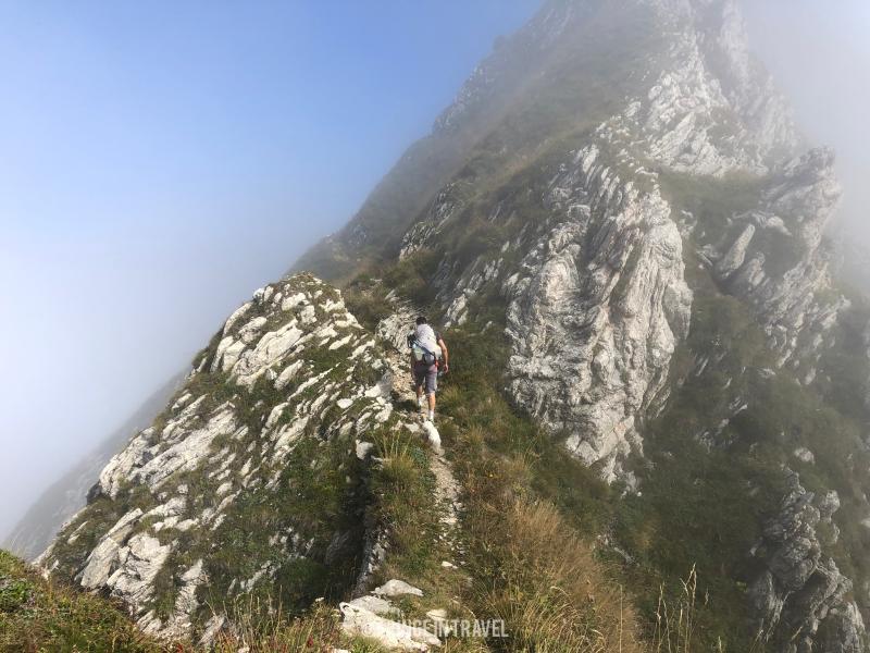 verso la cima del Monte Cadria