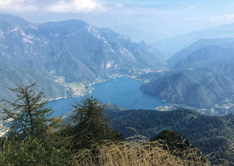 Monte Corno vista sul lago di ledro