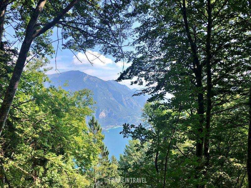 lago di ledro lungo sentiero