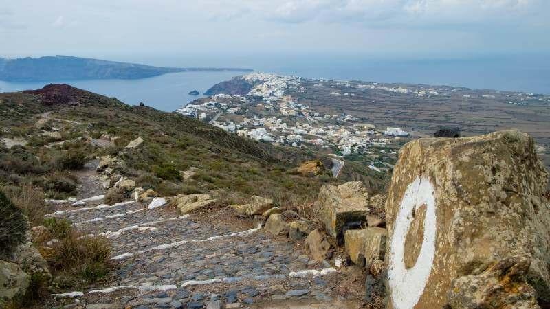 discesa verso Oia Santorini
