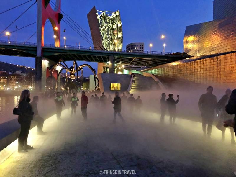 nebbia fontane guggenheim bilbao