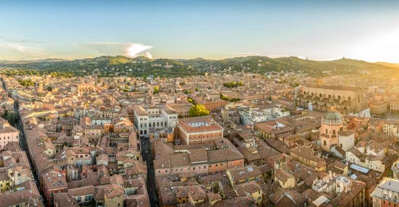 Bologna tetti dall'alto